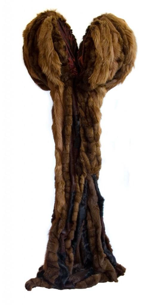 Mama (2000), size: 160 x 61 x 50cm, Iron, furskin, changeant.